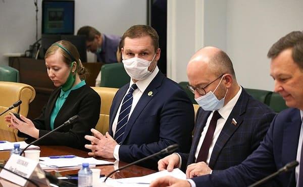«Зеленые» финансы пока поют романсы – как в России планируют развивать щадящие природу «зеленые» проекты